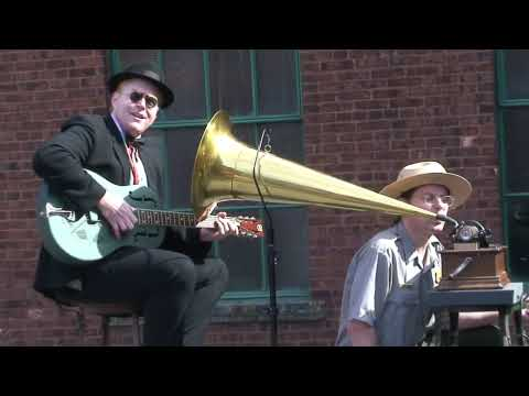 Edison Museum Wax Cylinder Recording Session (HD)
