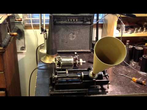 edison electric cylinder phonograph / First music recording